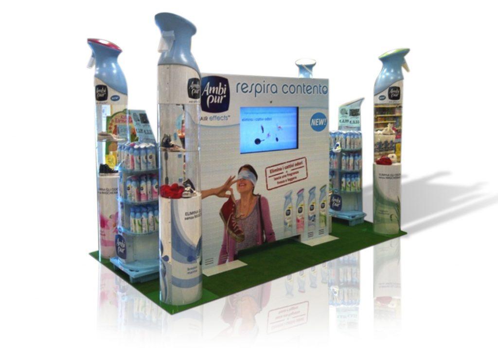 Isola multimediale con totem interattivo